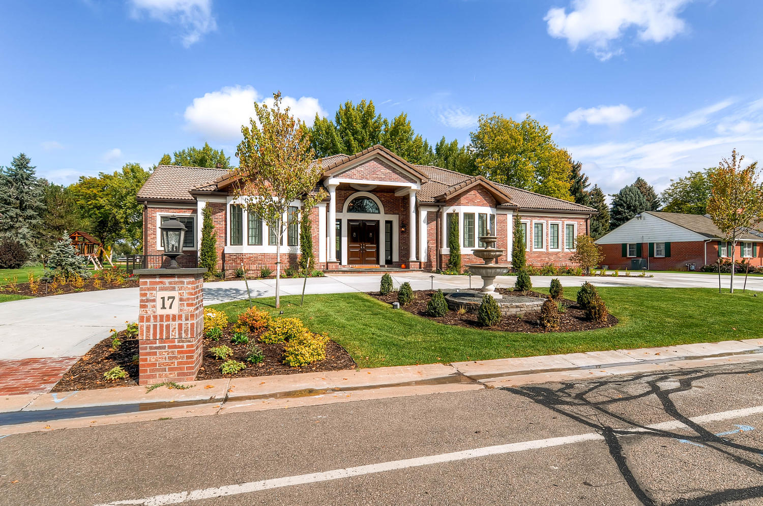 17-Niblick-Ln-Littleton-CO-large-002-Exterior-Front-1500x997-72dpi
